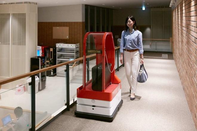 Hệ thống vận chuyển hành lý: Chỉ với một khoản phí nhỏ, bạn có thể chuyển hành lý của mình tới các khách sạn, hay từ khách sạn tới địa điểm tiếp theo. Ảnh: Huisten Bosch.
