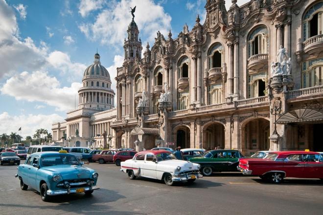 Nhung thien duong du lich giup cai nghien cong nghe hinh anh 7 Đi trốn ở Havana, Cuba: Tới Cuba, du khách có cảm giác như trở về thế kỷ trước, với những chiếc xe cổ đi lại trên phố, ít các tiện nghi công nghệ. Bạn sẽ được rời khỏi vòng vây của các thiết bị điện tử, thả hồn tận hưởng sự quyến rũ của thành phố đầy nắng này. Ảnh: Cntraveller.