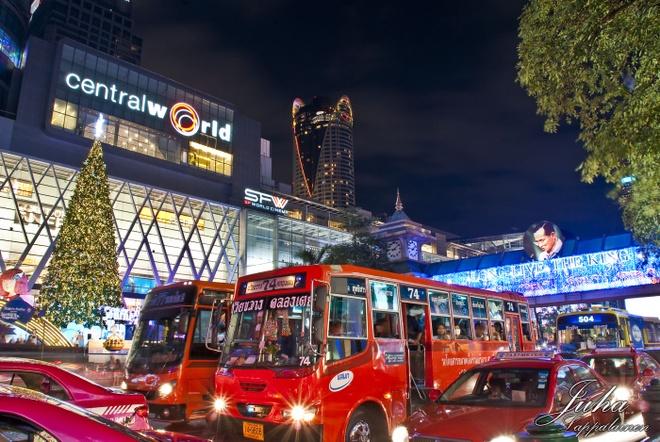 Nen di Bangkok hay Singapore dip Giang sinh? hinh anh