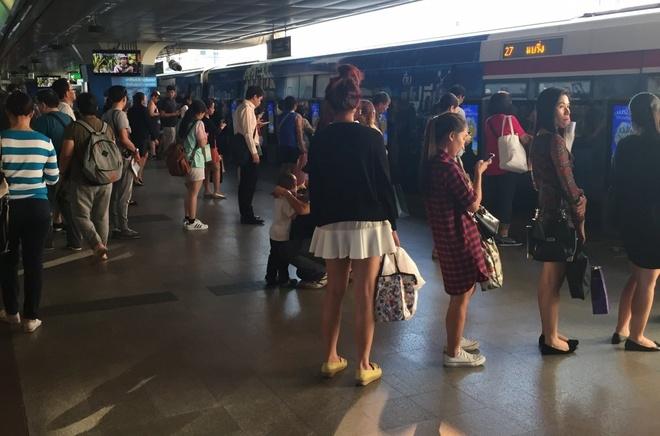 Duong sat tren cao o Bangkok duoc long du khach quoc te hinh anh 10