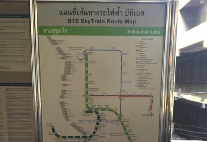 Duong sat tren cao o Bangkok duoc long du khach quoc te hinh anh 3