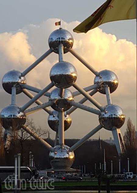 Khach du lich ngai ngan khi toi Brussels hinh anh 1