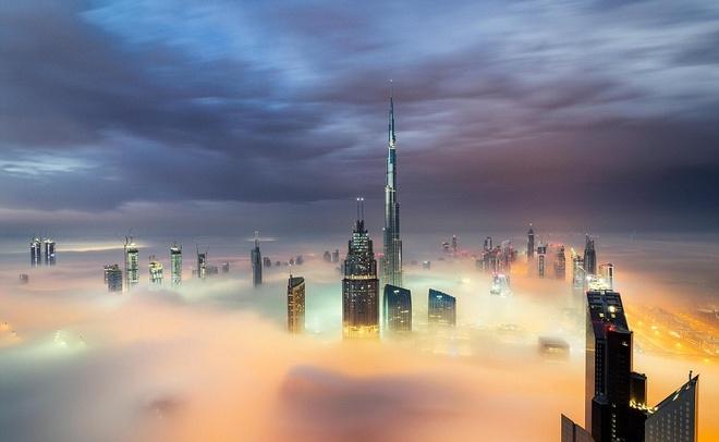 Nhung toa nha choc troi o Dubai huyen ao trong suong hinh anh