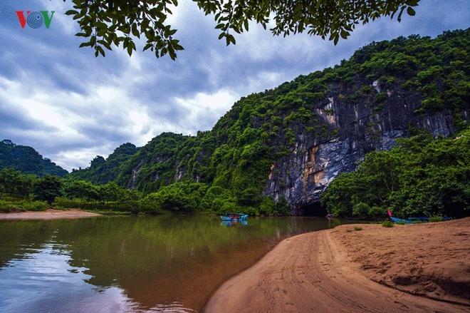 Kham pha hang dong o Phong Nha - Ke Bang hinh anh 11