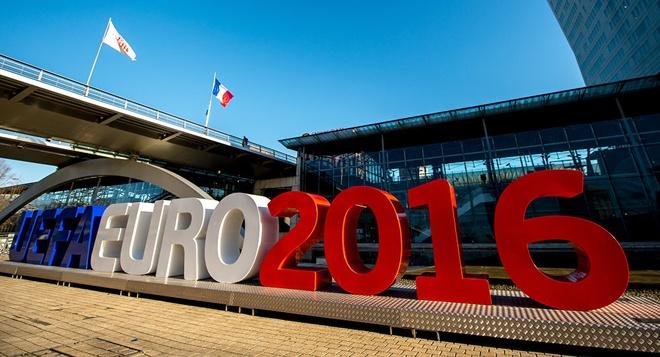 Thu tai hieu biet ve noi to chuc giai Euro 2016 hinh anh