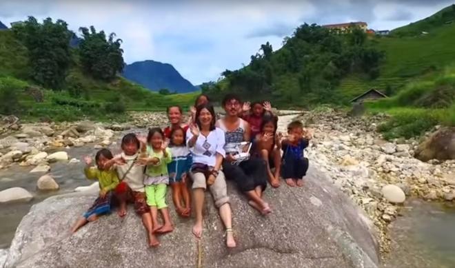 Cap doi Nhat Ban di trang mat 41 nuoc toi Viet Nam hinh anh 1