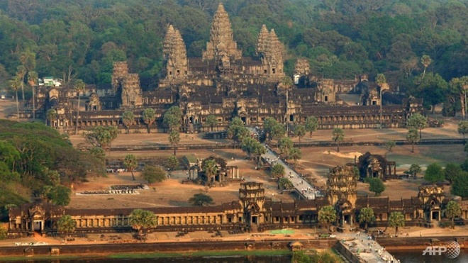 Du khach ho hang bi cam cua o thanh dia Angkor hinh anh