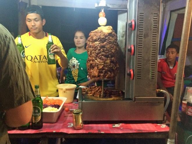 Hang nghin nguoi chen chuc trong le hoi trang ram o Thai Lan hinh anh 13