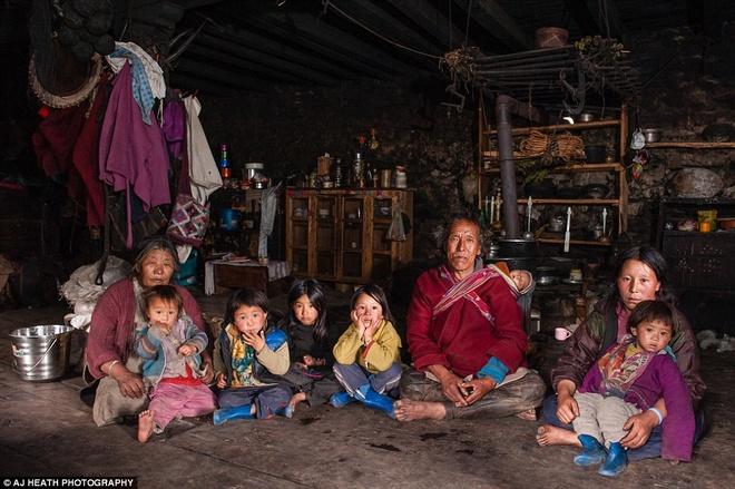Bo toc chat vat giu nep song co xua o Bhutan hinh anh 4