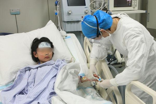Chung vi rut cum A (H7N9) tai Trung Quoc da bien doi doc luc cao hinh anh