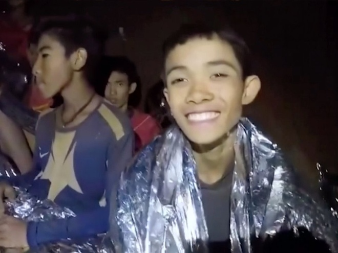 Vi sao doi bong Thai Lan chi duoc an chao trang sau khi ra khoi hang? hinh anh