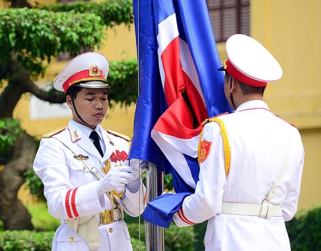 Le thuong co ASEAN trong the tai Ha Noi hinh anh