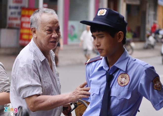 Cua hang banh Bao Phuong sau tin tam dinh chi hinh anh 9