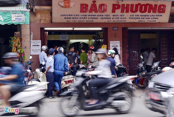 Cua hang banh Bao Phuong sau tin tam dinh chi hinh anh 10
