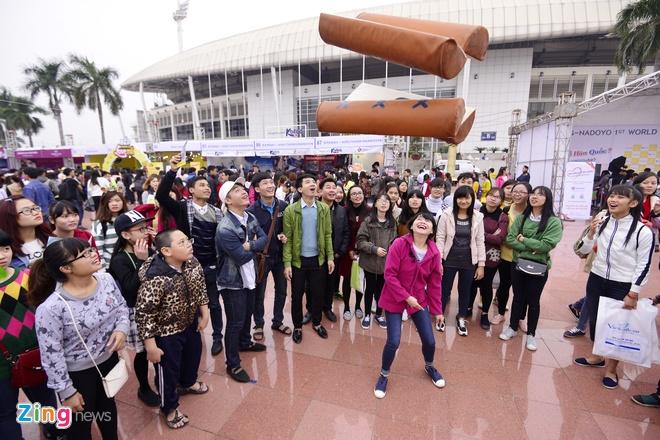Hang nghin ban tre xep hang tham gia le hoi Han Quoc hinh anh 8