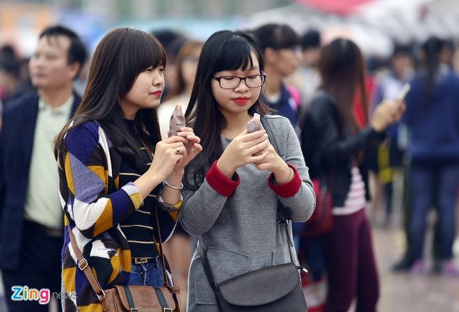 Hang nghin ban tre xep hang tham gia le hoi Han Quoc hinh anh 5