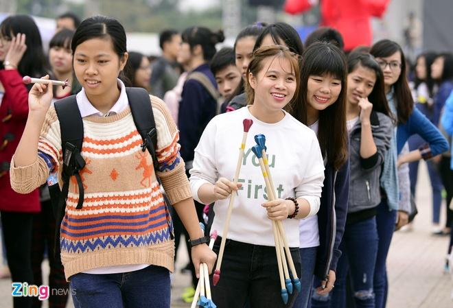 Hang nghin ban tre xep hang tham gia le hoi Han Quoc hinh anh 7