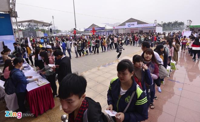 Hang nghin ban tre xep hang tham gia le hoi Han Quoc hinh anh 1