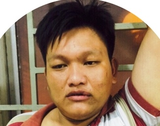 Dac nhiem huong Nam no sung bat 2 ten cuop giat o Sai Gon hinh anh
