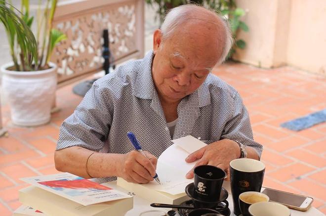 'Tai sao chi hu cau moi lam nen van chuong?' hinh anh 1