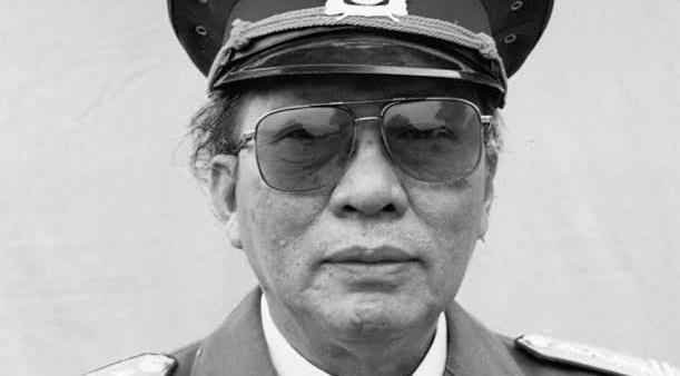 Xuan Thieu - Nha van mac ao linh hinh anh