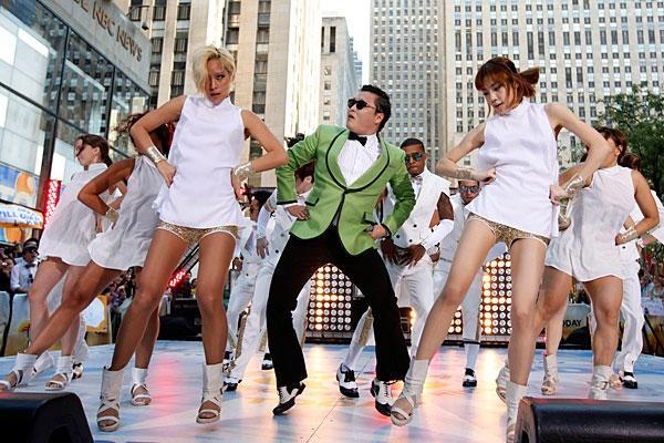Nhung than tuong Kpop bi fan doi xu bat cong hinh anh 3 Gangnam Style đưa Psy vượt qua biên giới Hàn Quốc chỉ trong một đêm. Ảnh: wordpress