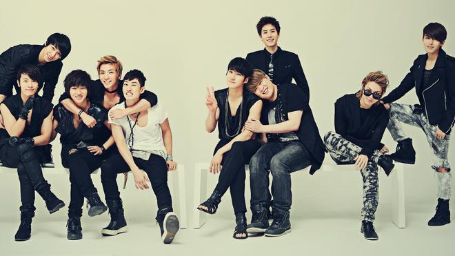 Nhung than tuong Kpop bi fan doi xu bat cong hinh anh 4 Super Junior vẫn thành công mặc cho những ánh mắt coi thường. Ảnh: fanpop