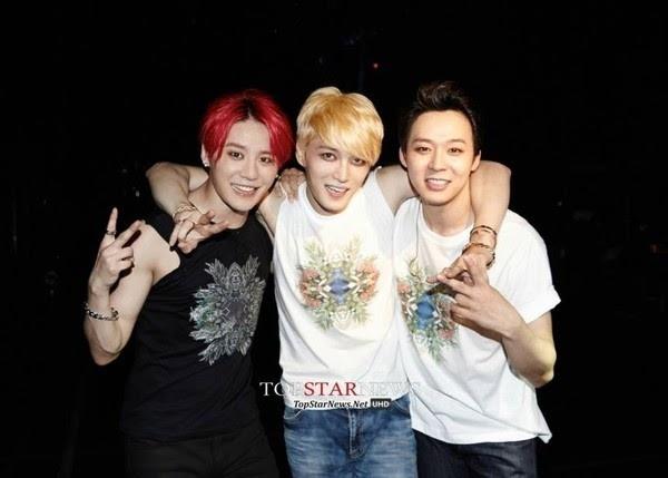 Fan Viet khong duoc di giay cao got xem concert JYJ hinh anh 1 Chỉ còn chưa đầy 3 ngày, fan Việt sẽ được bùng nổ của JYJ ngay trên
