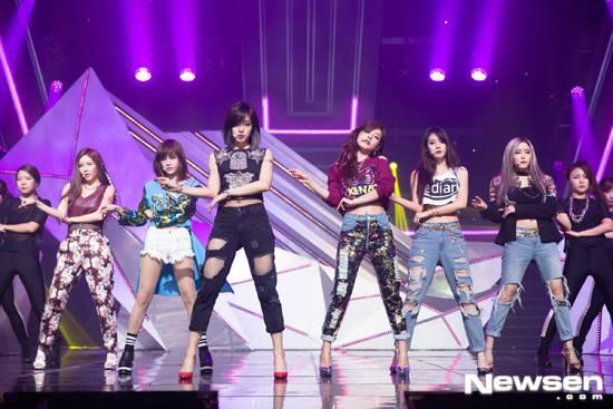 T-ara bi to dao nhac lan thiet ke hinh anh 1 T-ara trên sân khấu M!Countdown ngày 11/9.