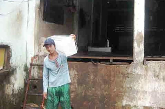 Giang chuc hang loat can bo cong an hinh anh 1 Đến nay, anh Trần Văn Đỡ và những thanh niên bị oan vẫn chưa được các ngành chức năng xin lỗi công khai.