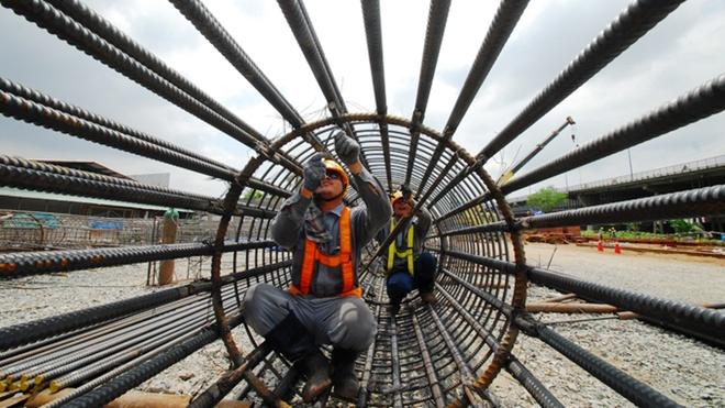 Xay cau cho tuyen metro Ben Thanh - Suoi Tien hinh anh 1 Thi công các trụ cầu để lắp đặt.