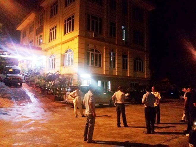 Bo truong Tran Dai Quang chi dao dieu tra vu Minh 'Sam' hinh anh 2 Lực lượng cảnh sát của Bộ Công an đang khám xét, bắt giữ bên trong trụ sở Công ty TNHH Đại An.