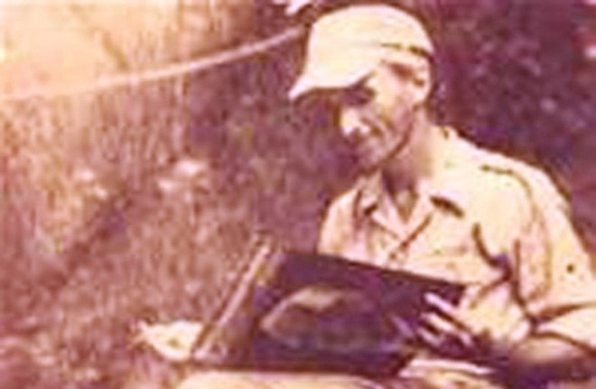 So phan vien phi cong Duc trong hang ngu Viet Minh hinh anh