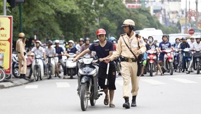 Thanh tra Bo Cong an se bi mat ghi hinh canh sat giao thong hinh anh 1 Thứ trưởng Bộ Công an Lê Quý Vương nói: Phải thường xuyên kiểm tra, giám sát hoạt động của CSGT để khen, chê kịp thời.