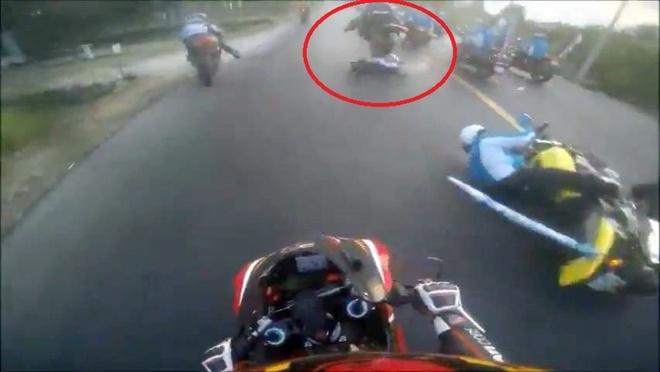 'Moto can qua nan nhan co the chay hon 100 km/h' hinh anh