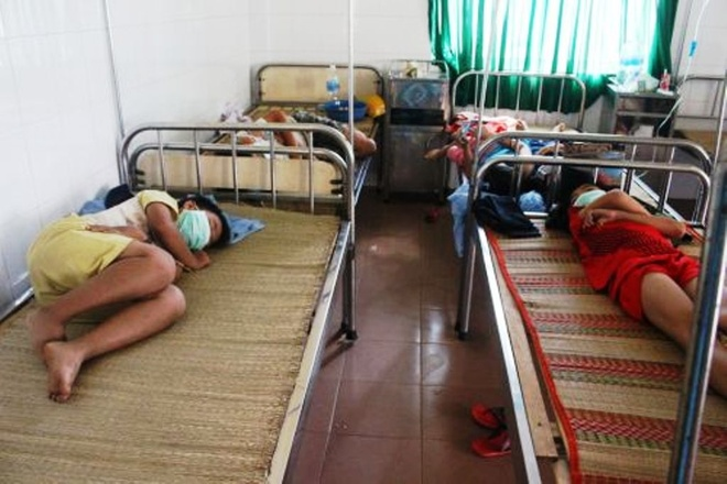 Một số em học sinh vẫn đang được theo dõi tích cực tại Trung tâm Y tế huyện  Đạ Tẻh.
