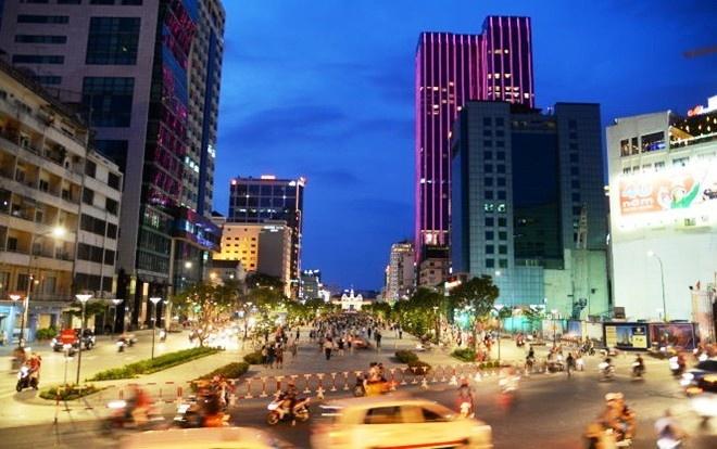 'Khong loai tru co dua xe o pho di bo Nguyen Hue' hinh anh
