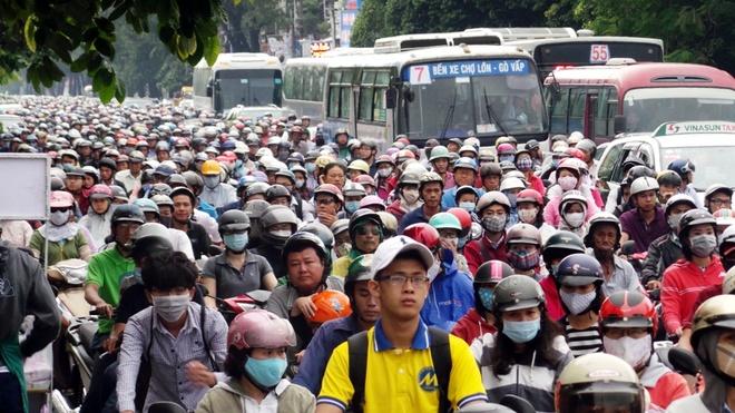Hình ảnh ùn tắc giao thông trên đường Nguyễn Kiệm, hướng từ Nguyễn Oanh vào trung tâm TP. Ảnh: Trường Nguyên.