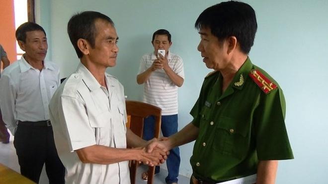 Ong Huynh Van Nen chinh thuc tu do sau 17 nam tu oan hinh anh