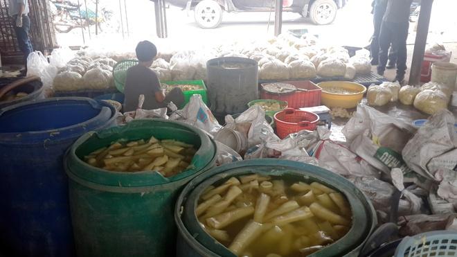 300 kg mang 'tam' hoa chat chuan bi ra cho hinh anh 1