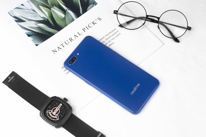 Realme C1 mau xanh mo ban tren kenh online cua TGDD va FPT Shop hinh anh 4
