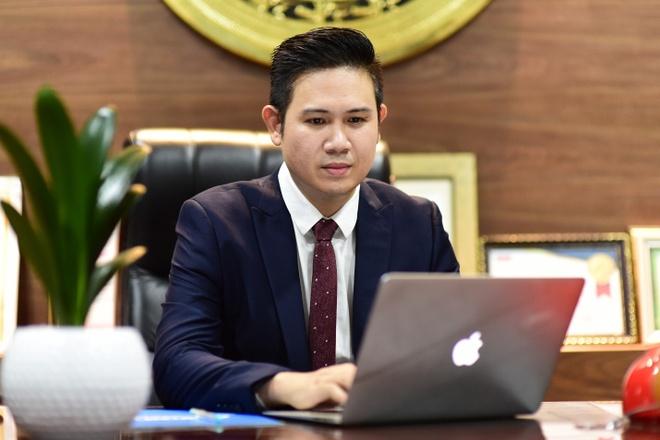 CEO Pham Van Tam va mot nam het long voi bong da Viet Nam hinh anh 1