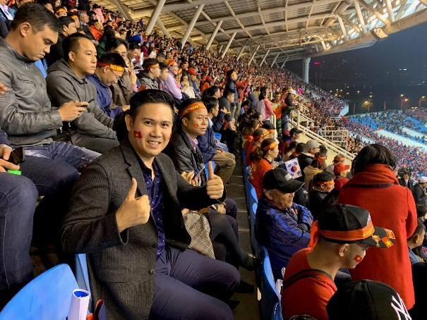 CEO Pham Van Tam va mot nam het long voi bong da Viet Nam hinh anh 3