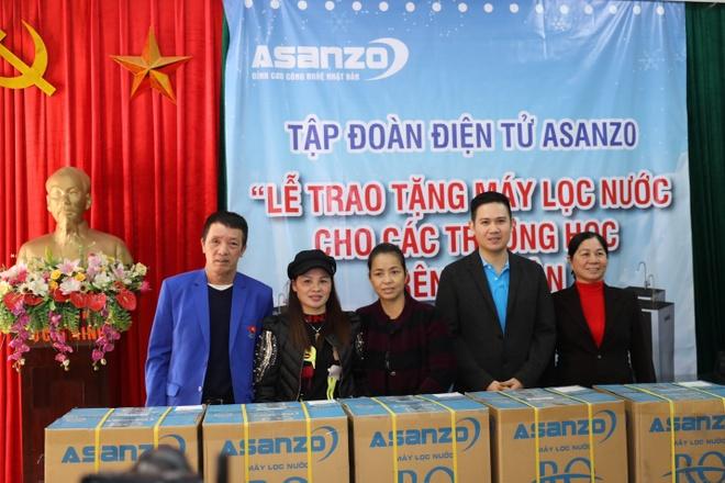 CEO Pham Van Tam va mot nam het long voi bong da Viet Nam hinh anh 6