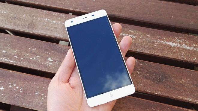 Ule Power: Smartphone Nhat pin khoe, cau hinh tot hinh anh 4