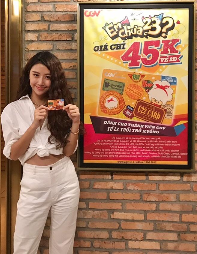 Hoang Yen Chibi ru fan lam the U22 de xem phim gia 45.000 dong hinh anh 2
