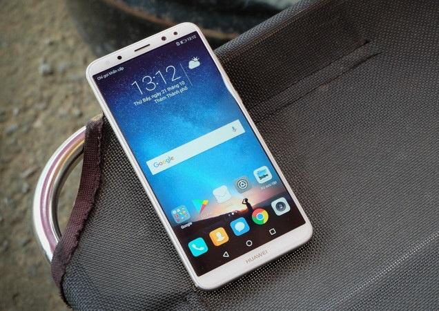 Mo ban Huawei nova 2i mau vang trong 3 ngay hinh anh