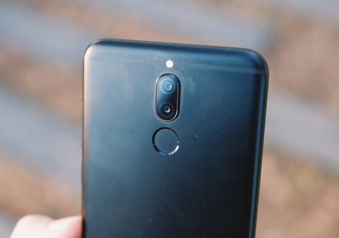 Danh gia Huawei nova 2i: Tien nghi gia tot hinh anh 2