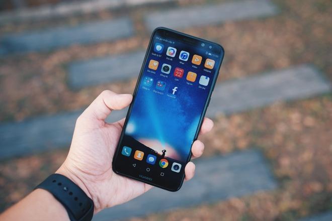 Danh gia Huawei nova 2i: Tien nghi gia tot hinh anh 1