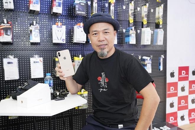 Cach nhac si Huy Tuan tiet kiem 18 trieu dong khi mua iPhone XS Max hinh anh